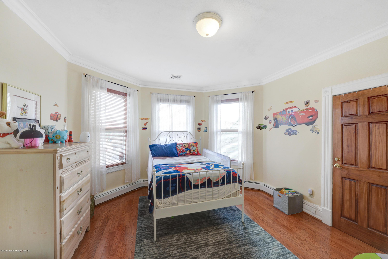 Single Family - Detached 222 Guyon Avenue  Staten Island, NY 10306, MLS-1136119-25