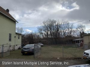 5 Lockman Place, Staten Island, NY 10303