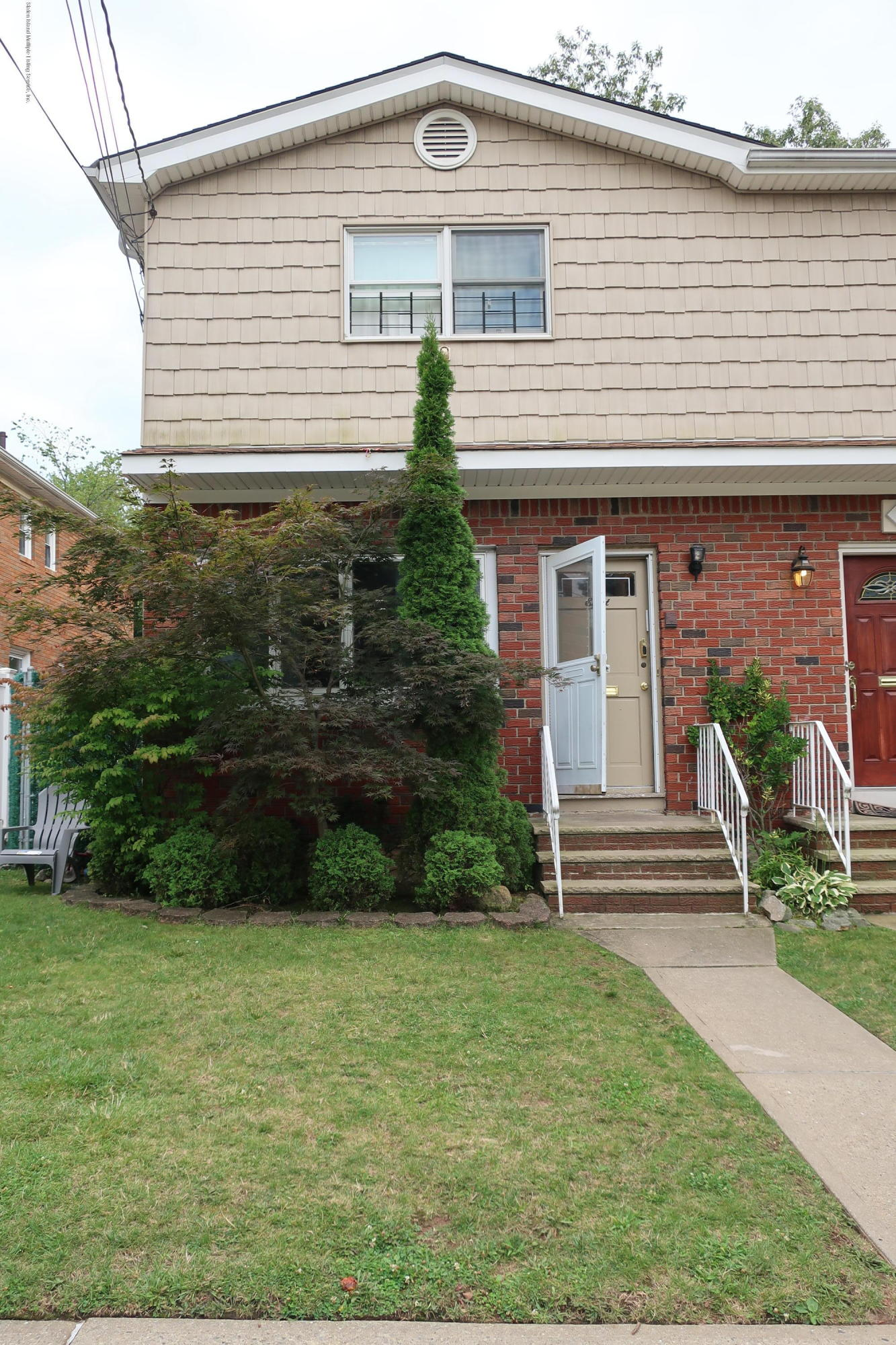 Single Family - Semi-Attached in Willowbrook - 8 Ismay Street  Staten Island, NY 10314