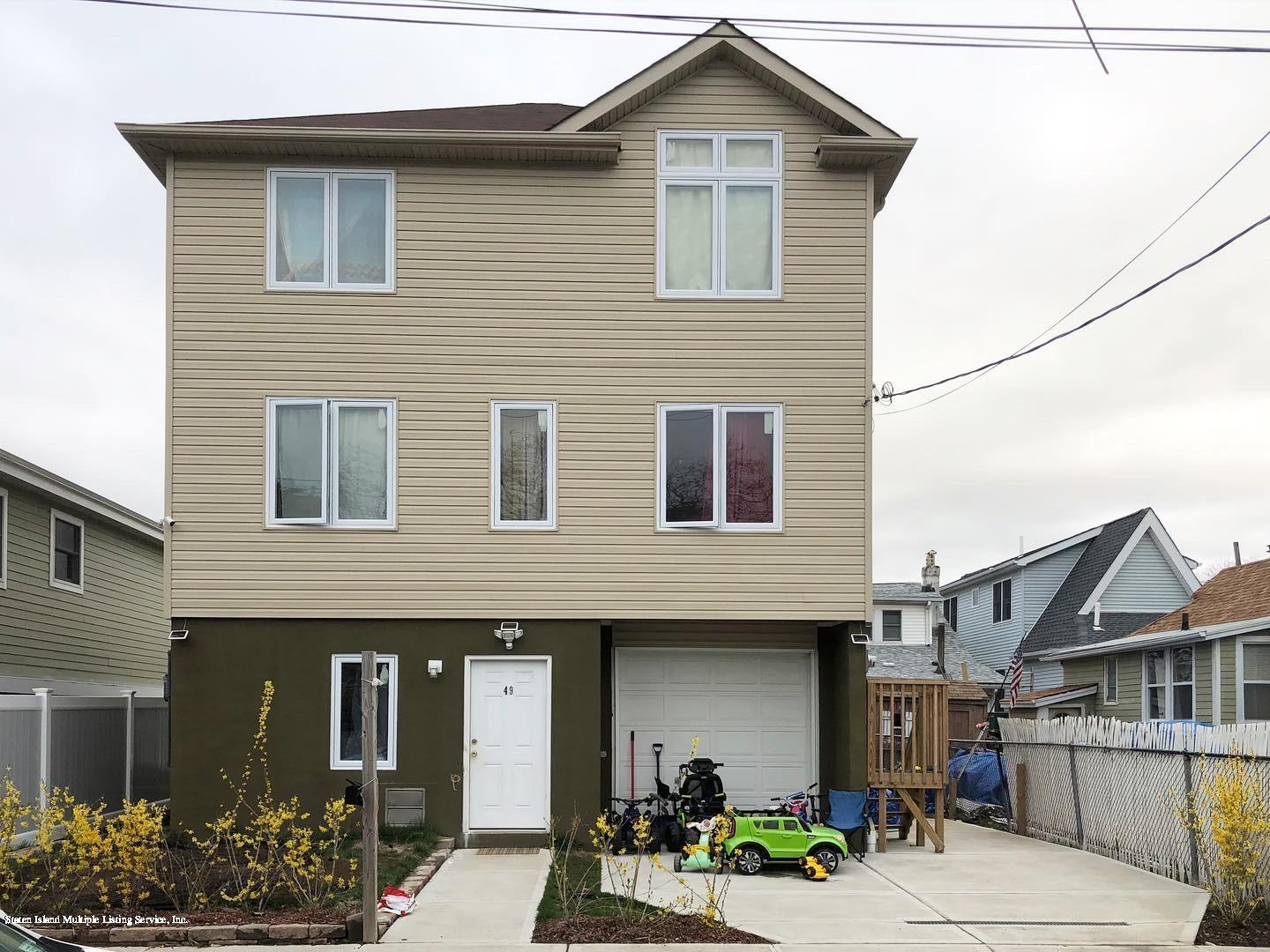 Single Family - Detached in New Dorp - 49 Center Place  Staten Island, NY 10306