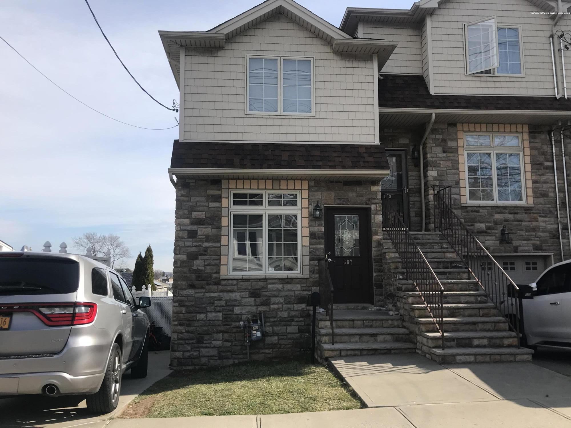 Single Family - Attached in Fort Wadsworth - 687 Tompkins Avenue  Staten Island, NY 10305