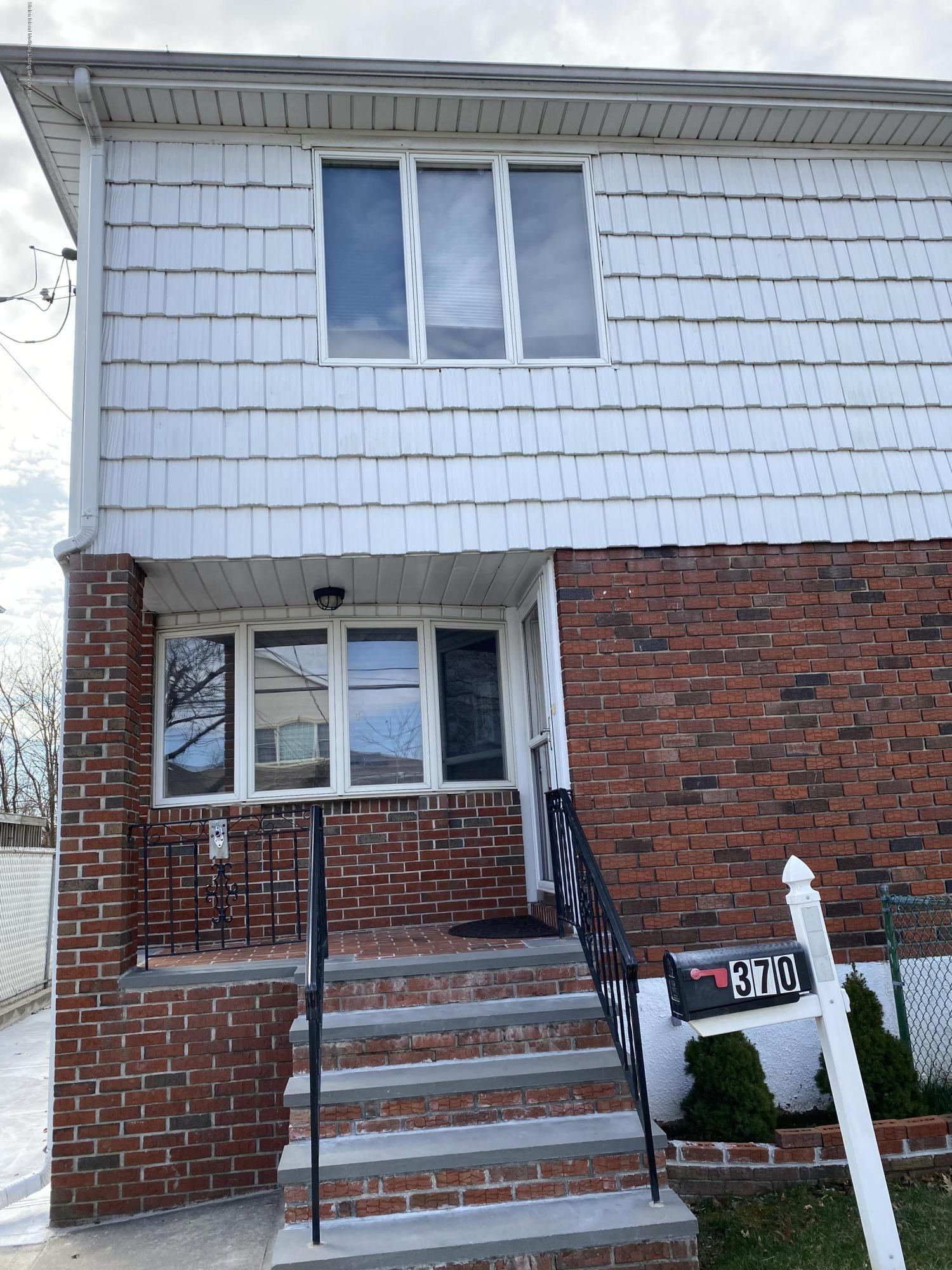 Single Family - Semi-Attached 370 Seaver Avenue  Staten Island, NY 10305, MLS-1136339-2