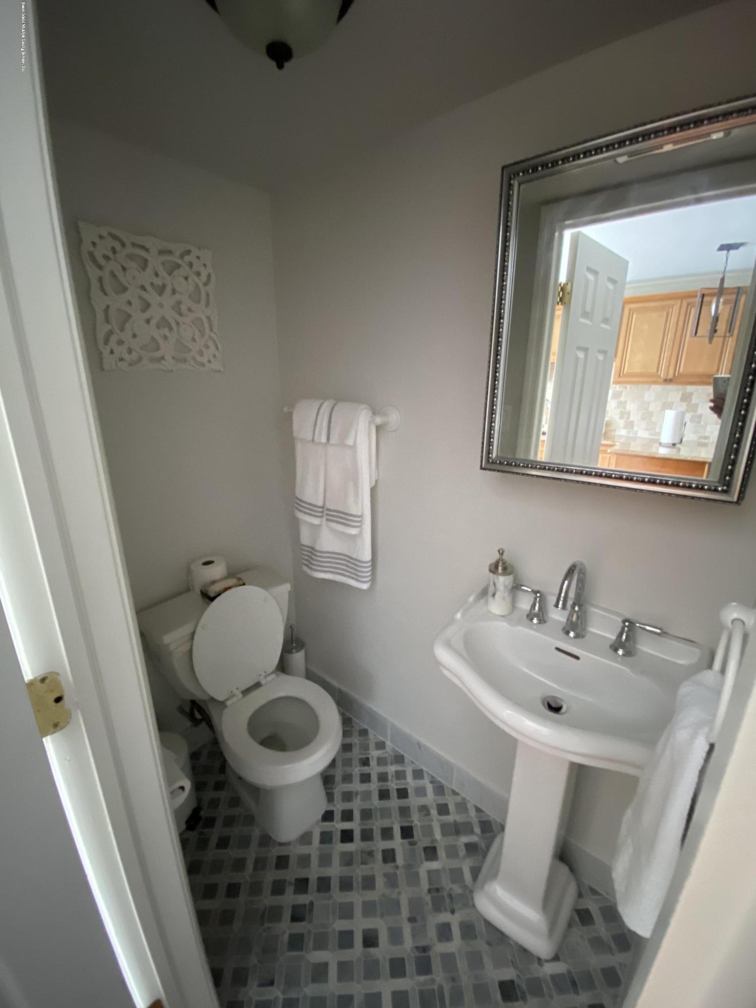 Single Family - Semi-Attached 370 Seaver Avenue  Staten Island, NY 10305, MLS-1136339-9