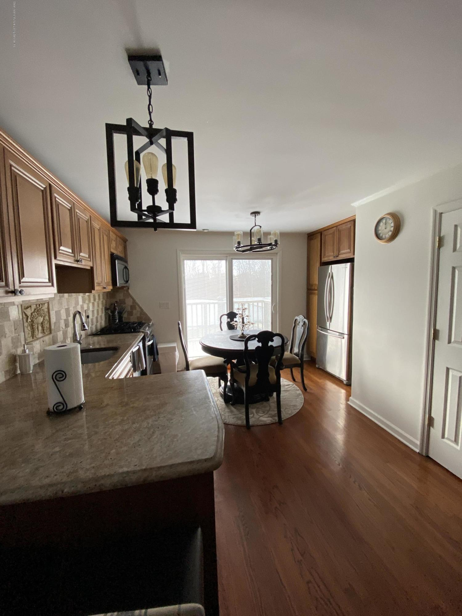 Single Family - Semi-Attached 370 Seaver Avenue  Staten Island, NY 10305, MLS-1136339-5