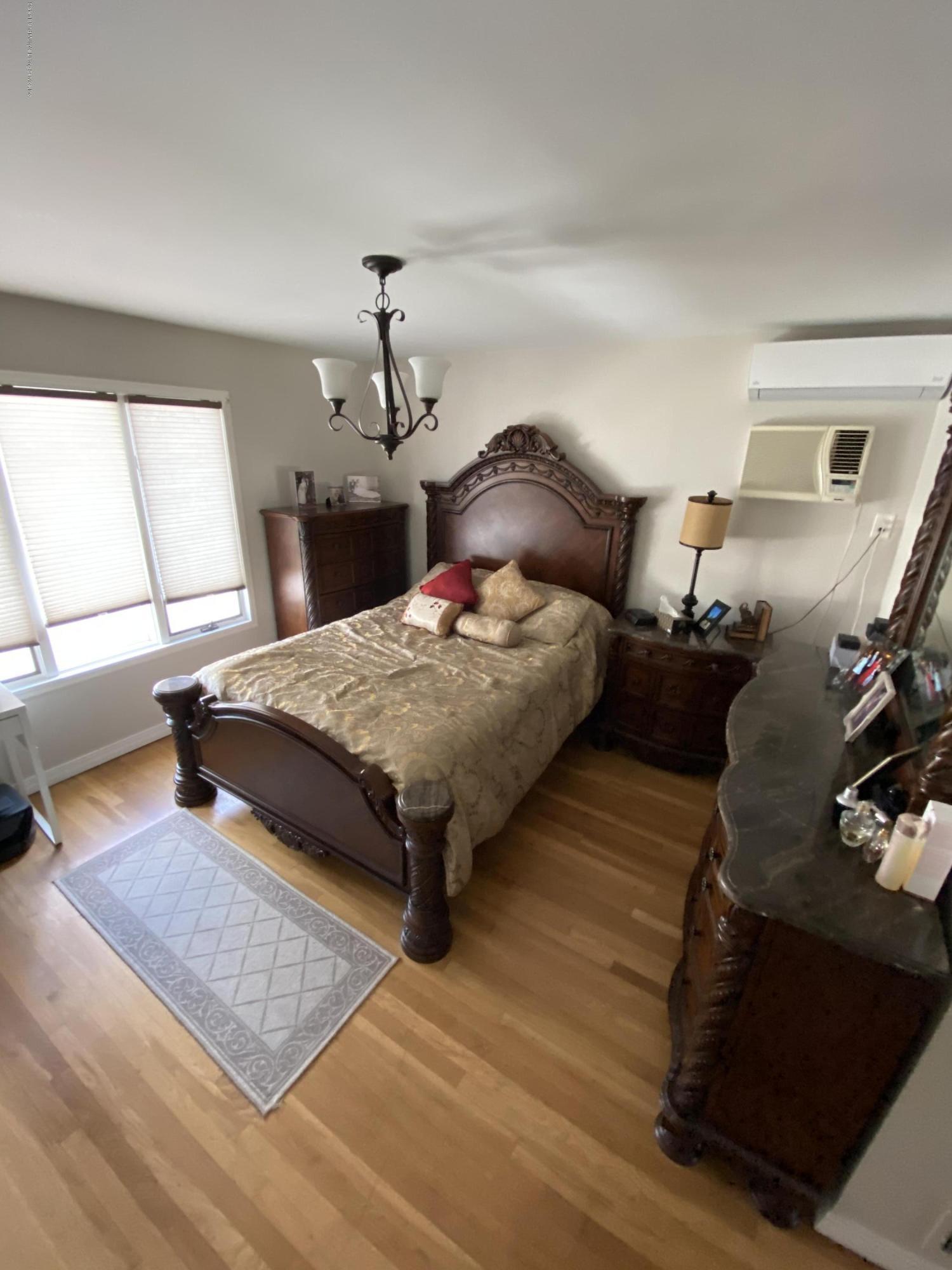 Single Family - Semi-Attached 370 Seaver Avenue  Staten Island, NY 10305, MLS-1136339-17
