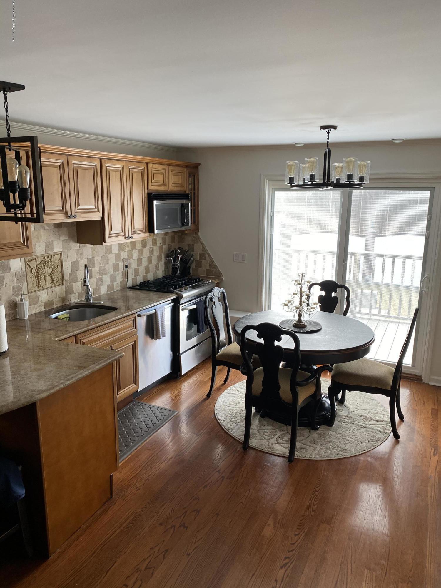 Single Family - Semi-Attached 370 Seaver Avenue  Staten Island, NY 10305, MLS-1136339-22