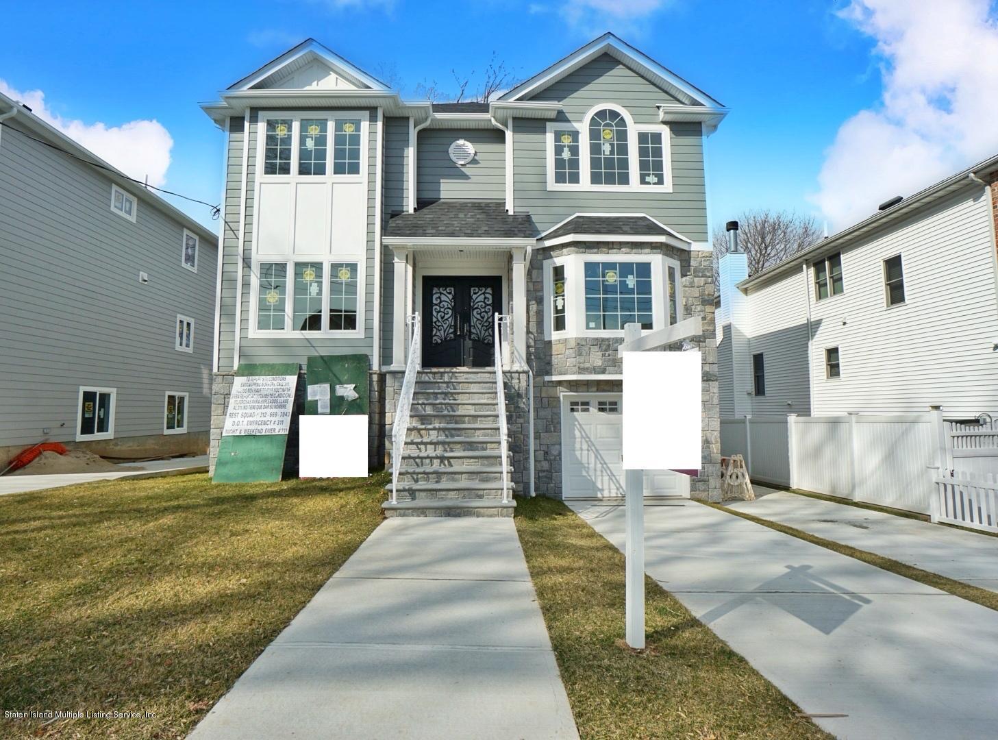 Single Family - Detached in Royal Oak - 170 Fairview Avenue  Staten Island, NY 10314