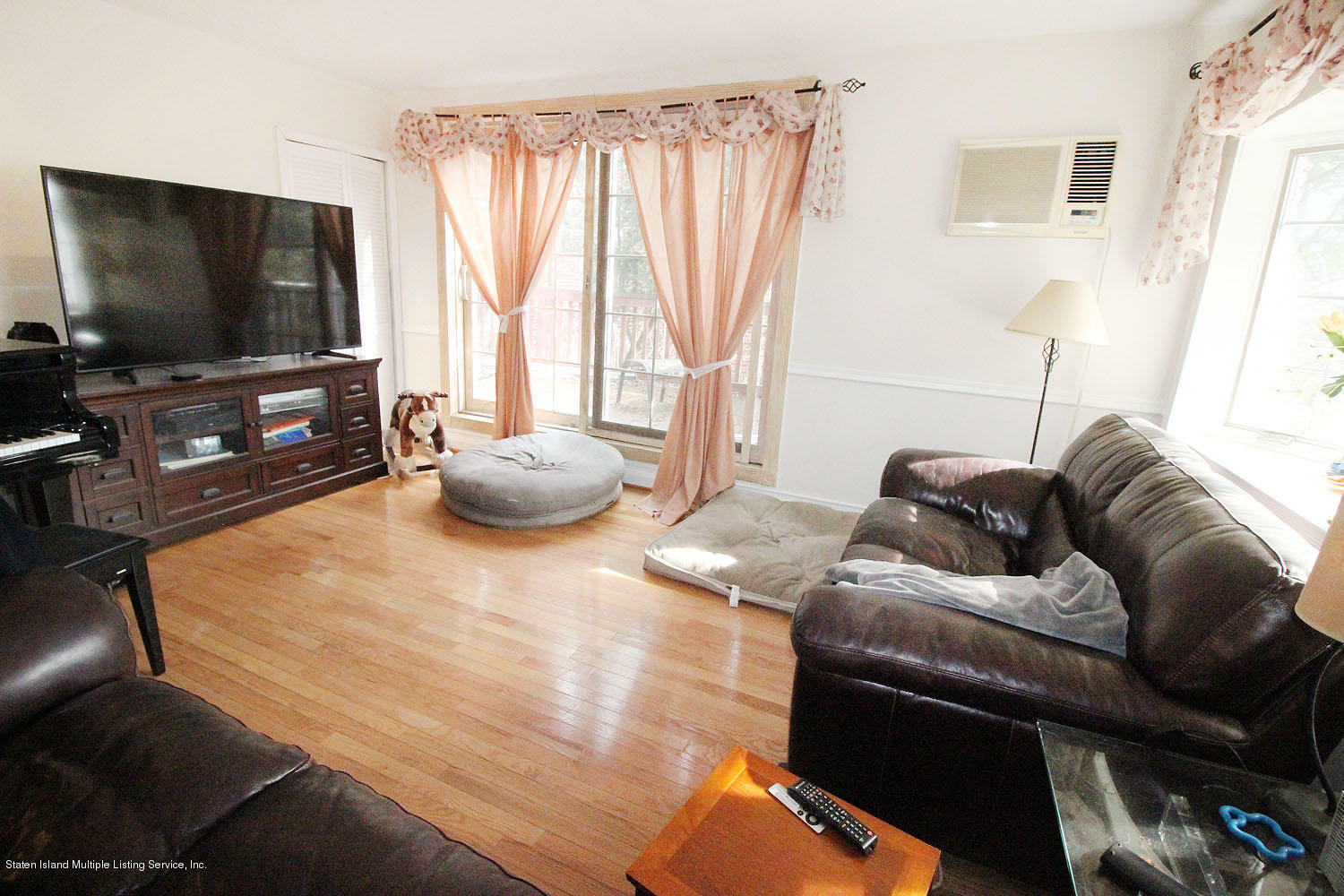 Two Family - Detached 743 Huguenot Avenue  Staten Island, NY 10312, MLS-1136400-2