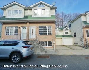 71 Woodcutter Lane, Staten Island, NY 10306