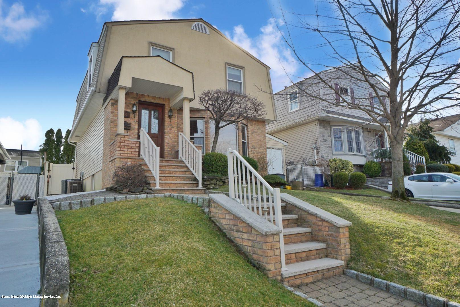 Single Family - Detached in Princes Bay - 533 Maguire Avenue  Staten Island, NY 10309