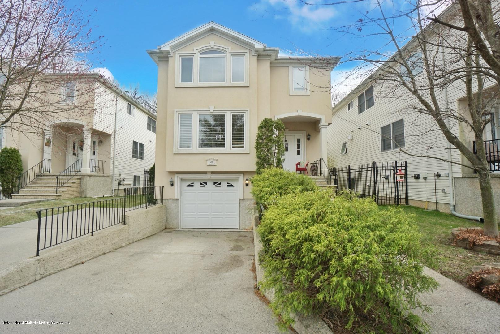 Two Family - Detached in Tottenville - 27 Callahan Lane  Staten Island, NY 10307