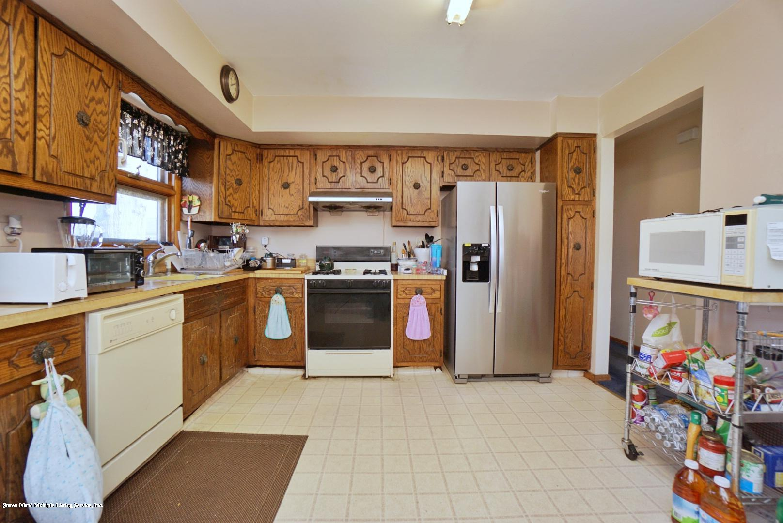 Single Family - Detached 495 Winchester Avenue  Staten Island, NY 10312, MLS-1136561-14