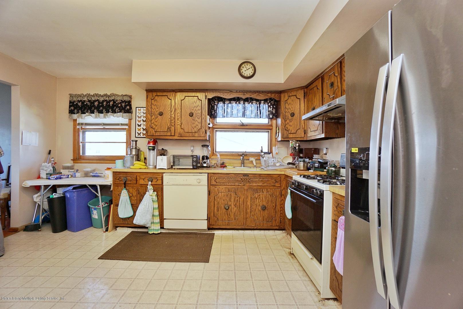 Single Family - Detached 495 Winchester Avenue  Staten Island, NY 10312, MLS-1136561-16