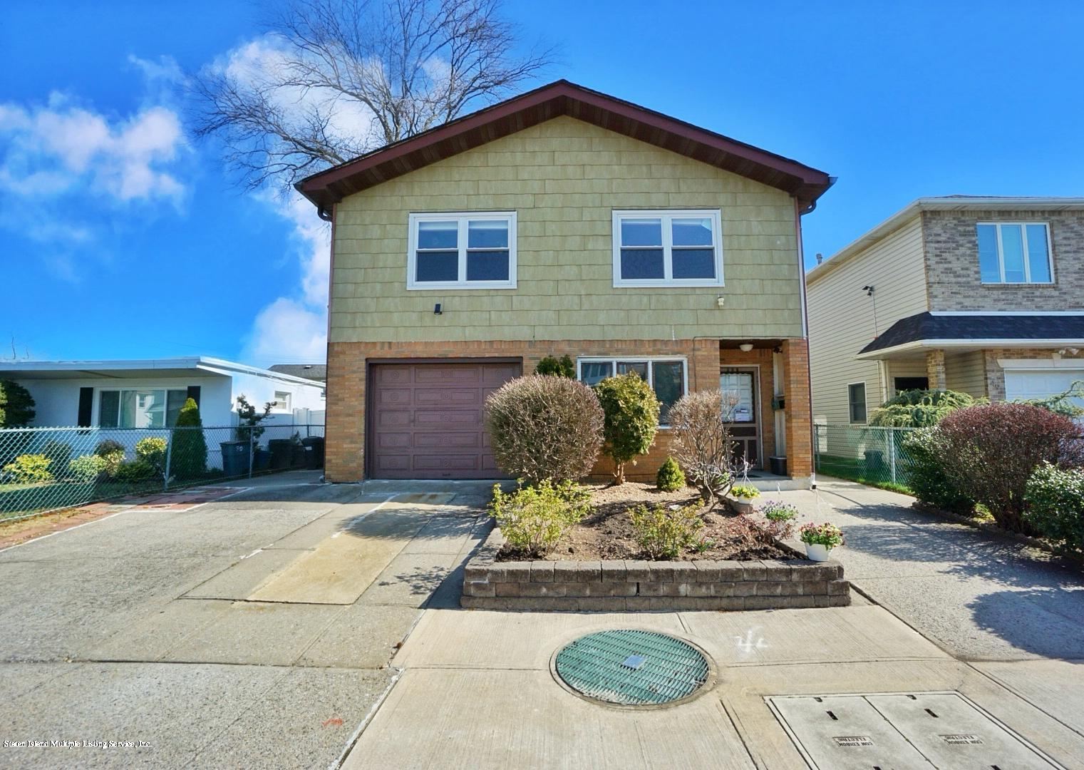 Single Family - Detached in Eltingville - 495 Winchester Avenue  Staten Island, NY 10312