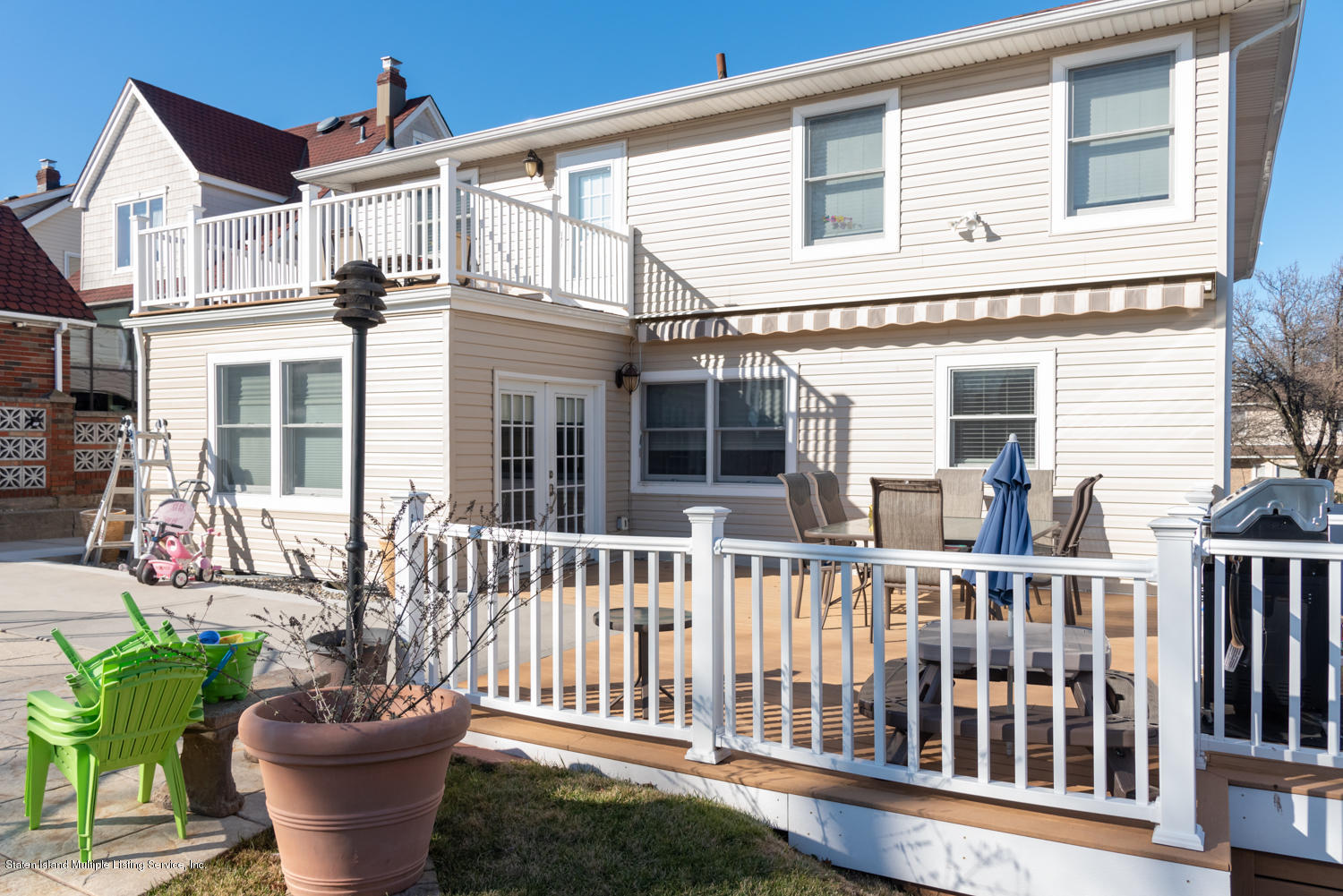 Two Family - Detached in Huguenot - 206 Darlington Avenue  Staten Island, NY 10312