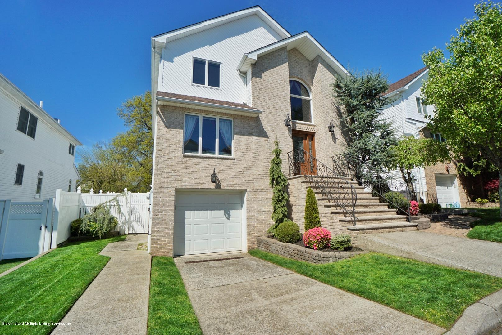 Two Family - Detached 26 Delia Court  Staten Island, NY 10307, MLS-1136800-2