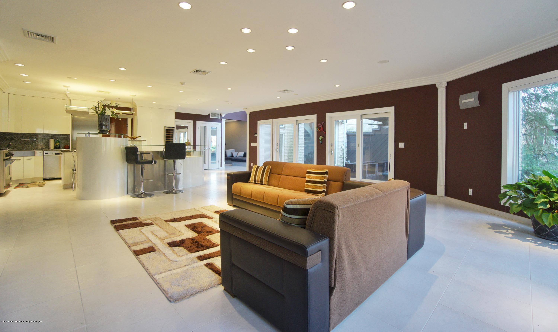 Single Family - Detached 31 Seidman Avenue  Staten Island, NY 10312, MLS-1136904-57