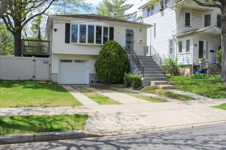 Single Family - Detached 606 Rockaway Street  Staten Island, NY 10307, MLS-1136936-2