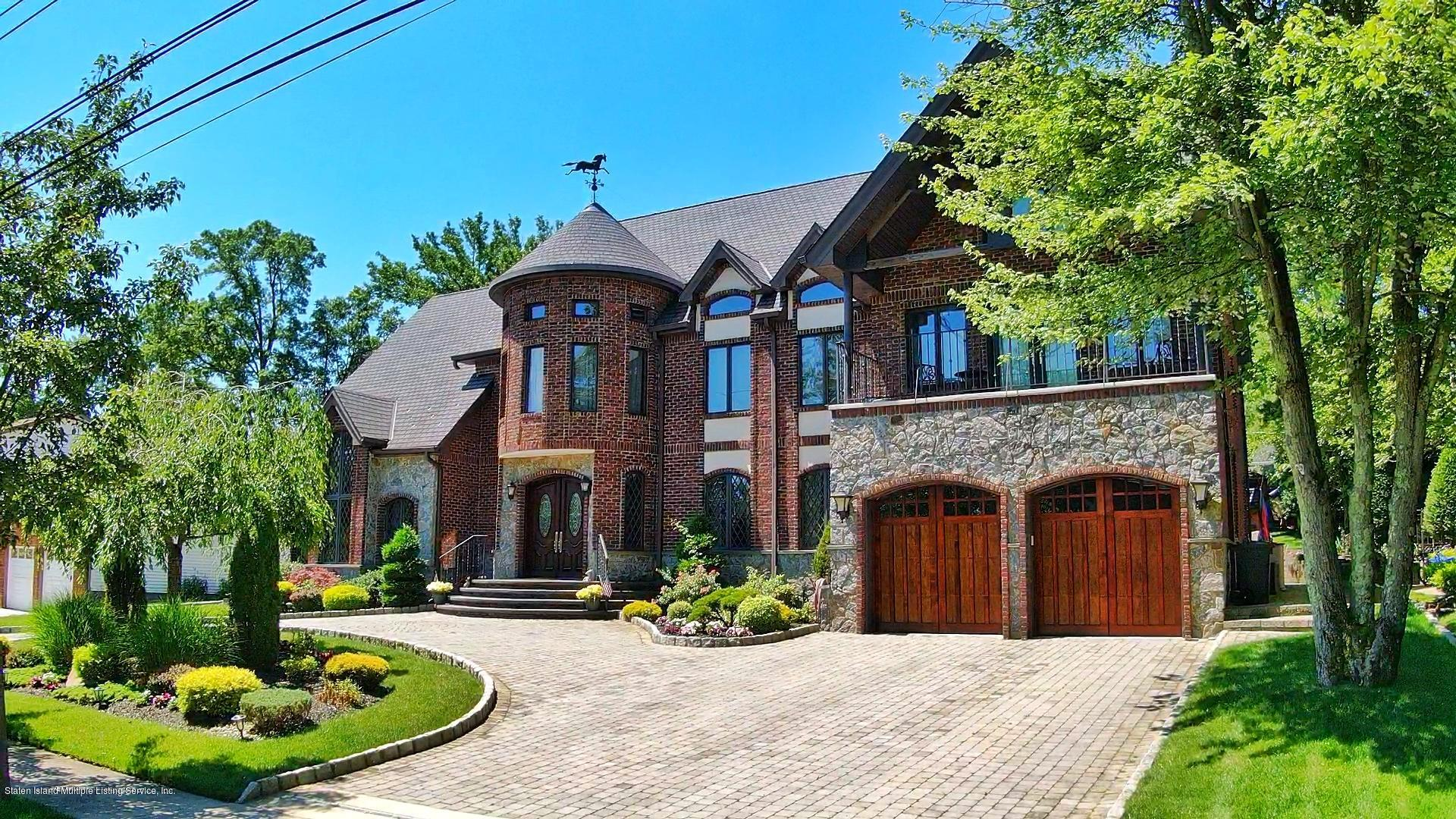 Single Family - Detached in Annadale - 86 Jarvis Avenue  Staten Island, NY 10312
