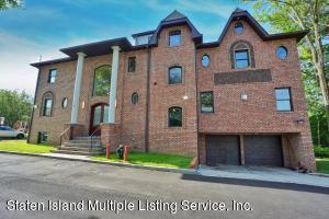 528 Albourne Avenue, Staten Island, NY 10309