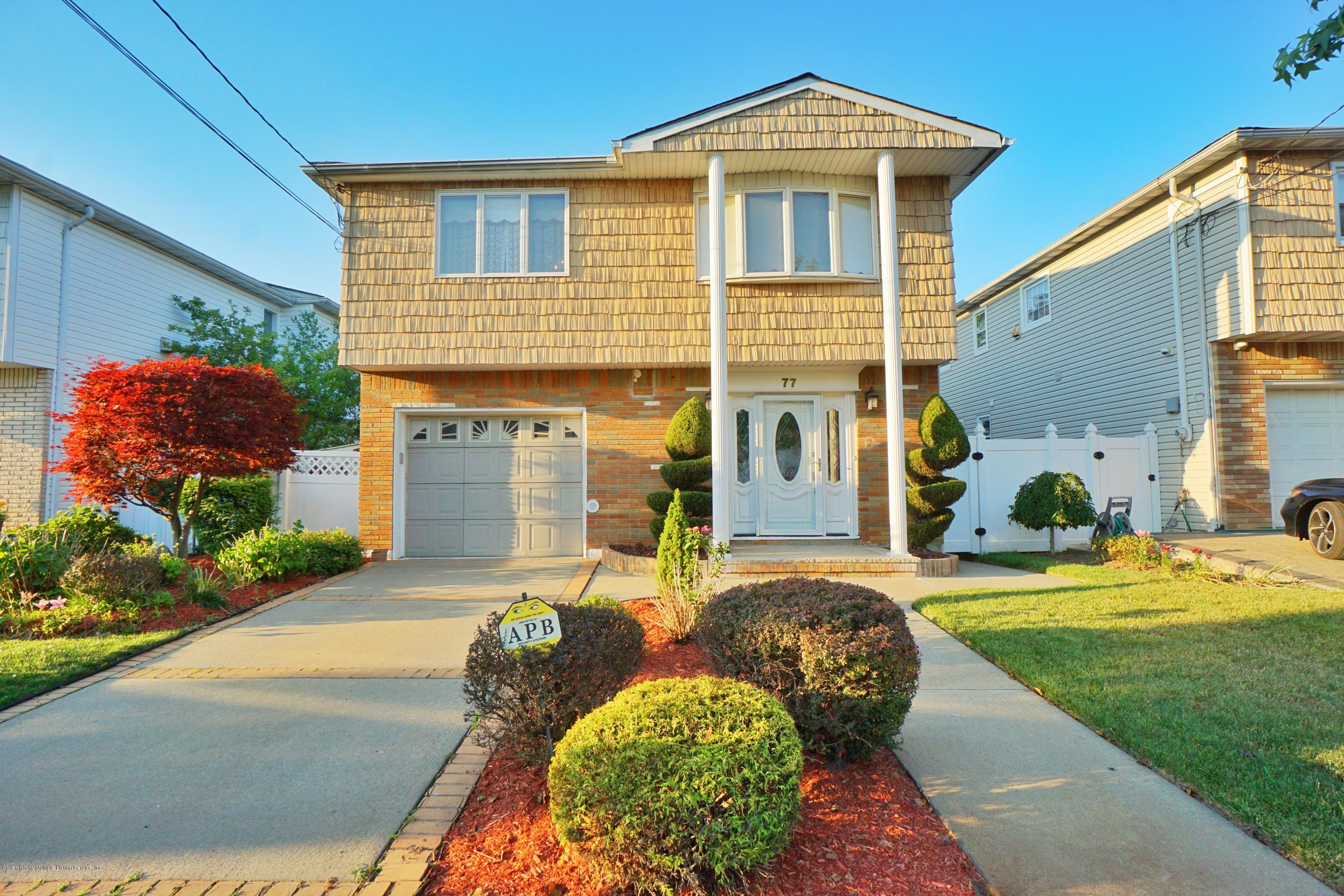 Single Family - Detached in Richmond Town - 77 Cedarview Avenue  Staten Island, NY 10306