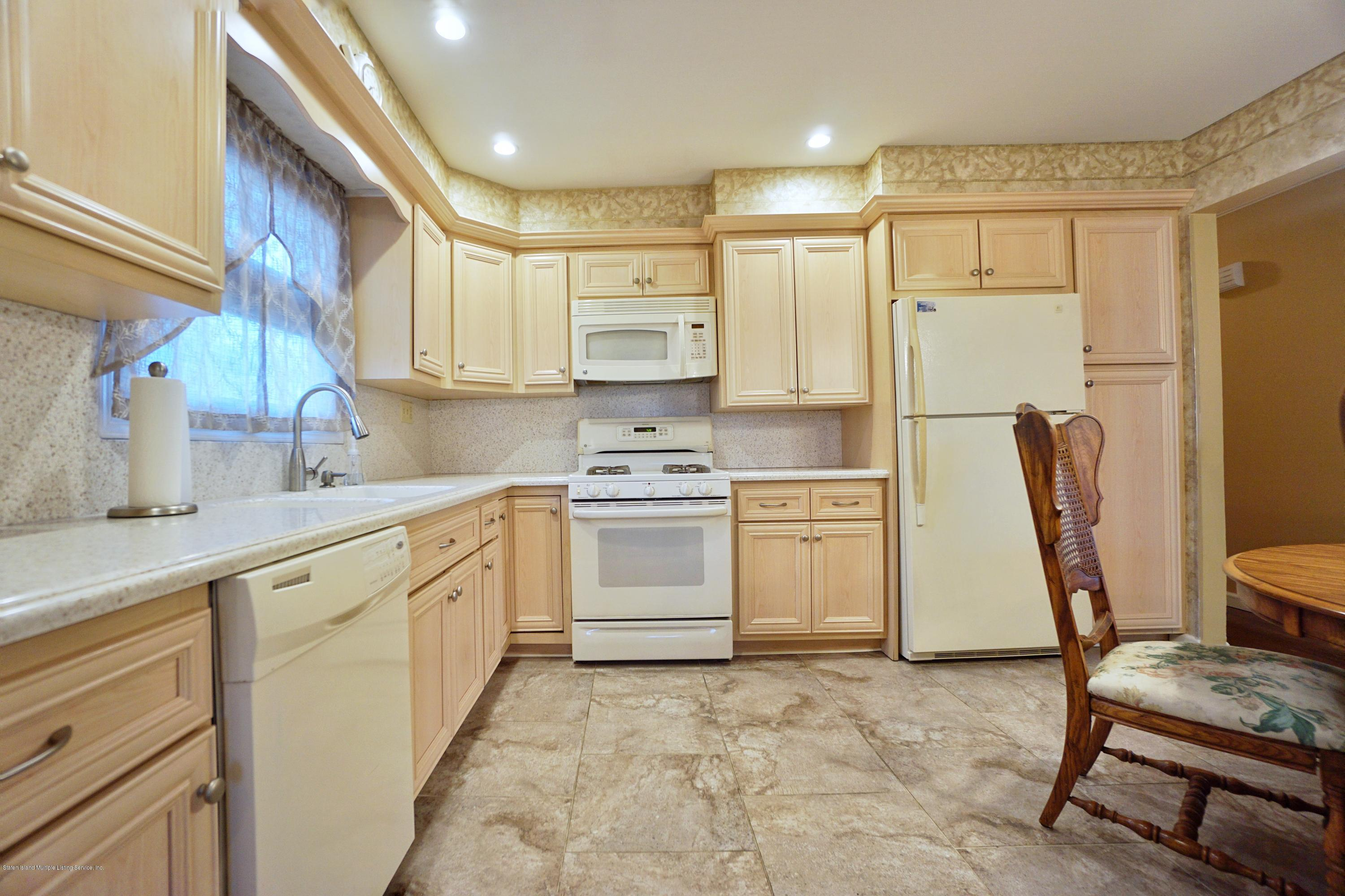 Single Family - Detached 77 Cedarview Avenue  Staten Island, NY 10306, MLS-1137631-12