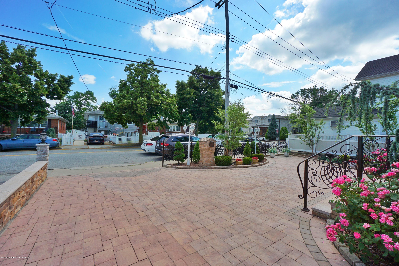 Single Family - Detached 164 Ebbits Street  Staten Island, NY 10306, MLS-1137889-3