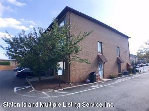 45 Maryland Lane, Staten Island, NY 10305