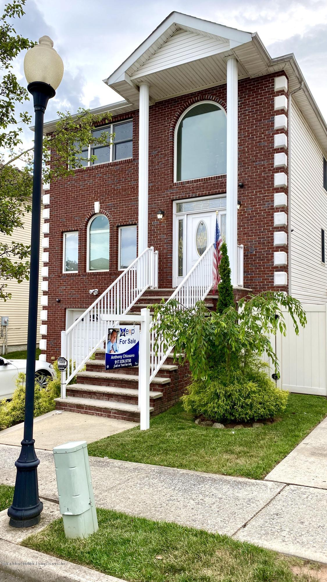 Two Family - Detached in Princes Bay - 38 Opal Lane  Staten Island, NY 10309