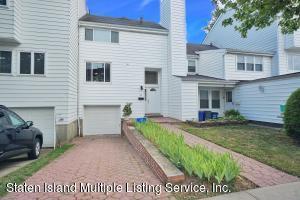 34 Dover Green, Staten Island, NY 10312