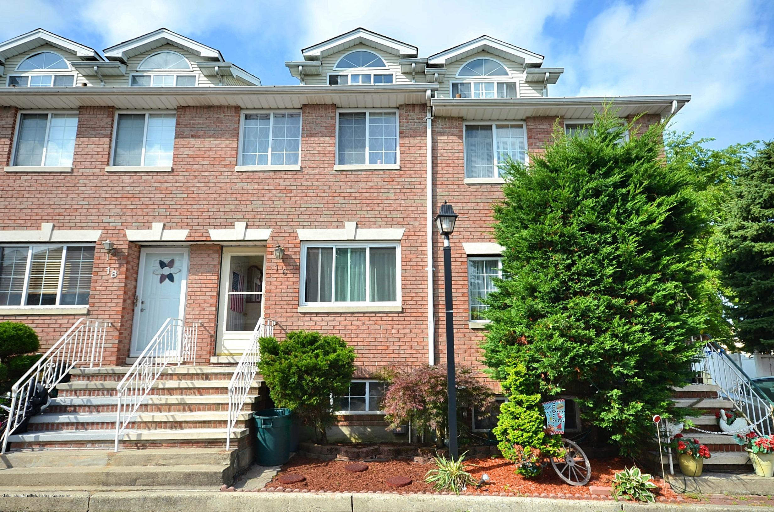 Single Family - Attached in Latourette - 16 Lillie Lane  Staten Island, NY 10314