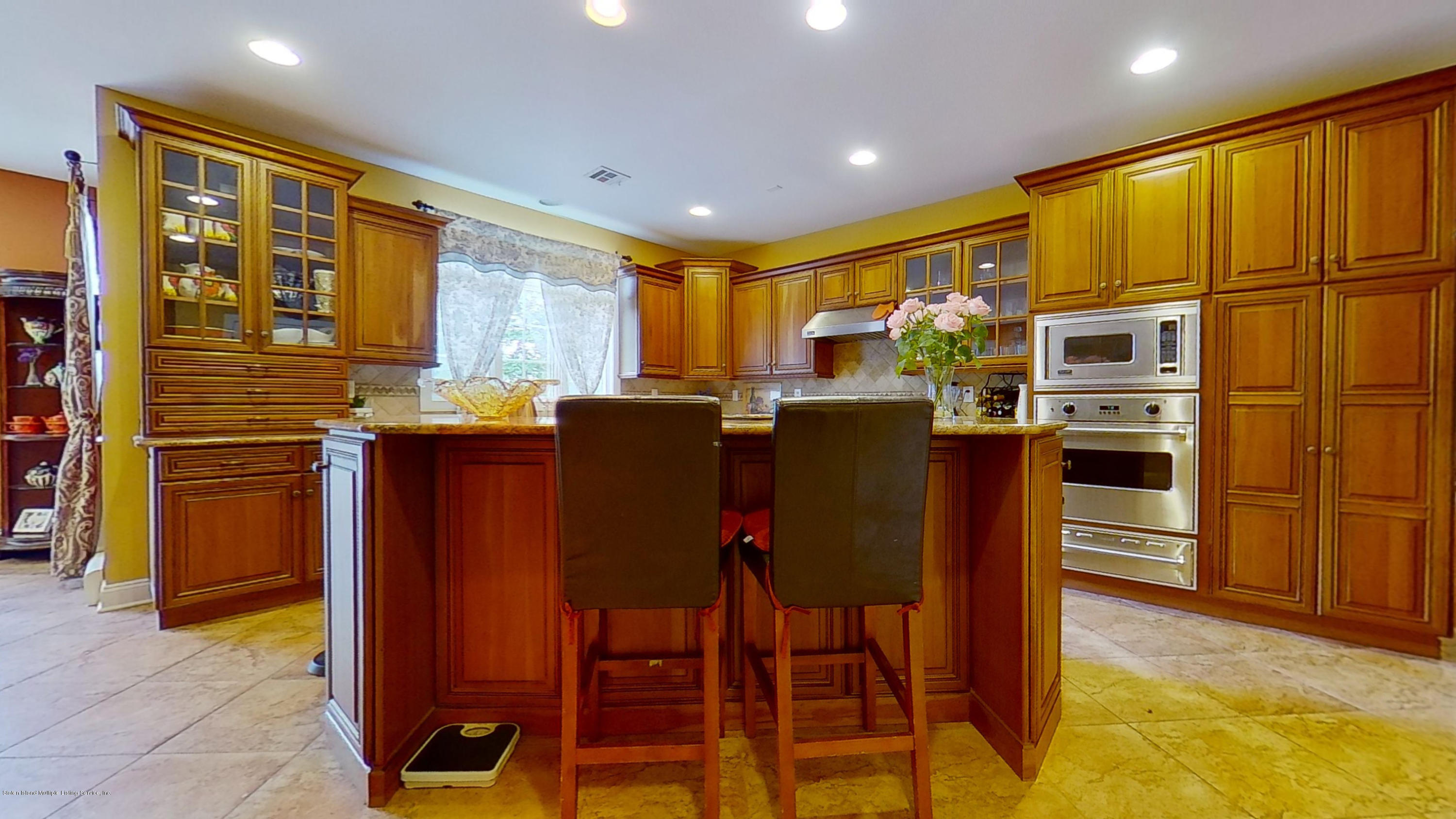 Single Family - Detached 239 Glen Road  Out Of Area, NY 07405, MLS-1138755-17
