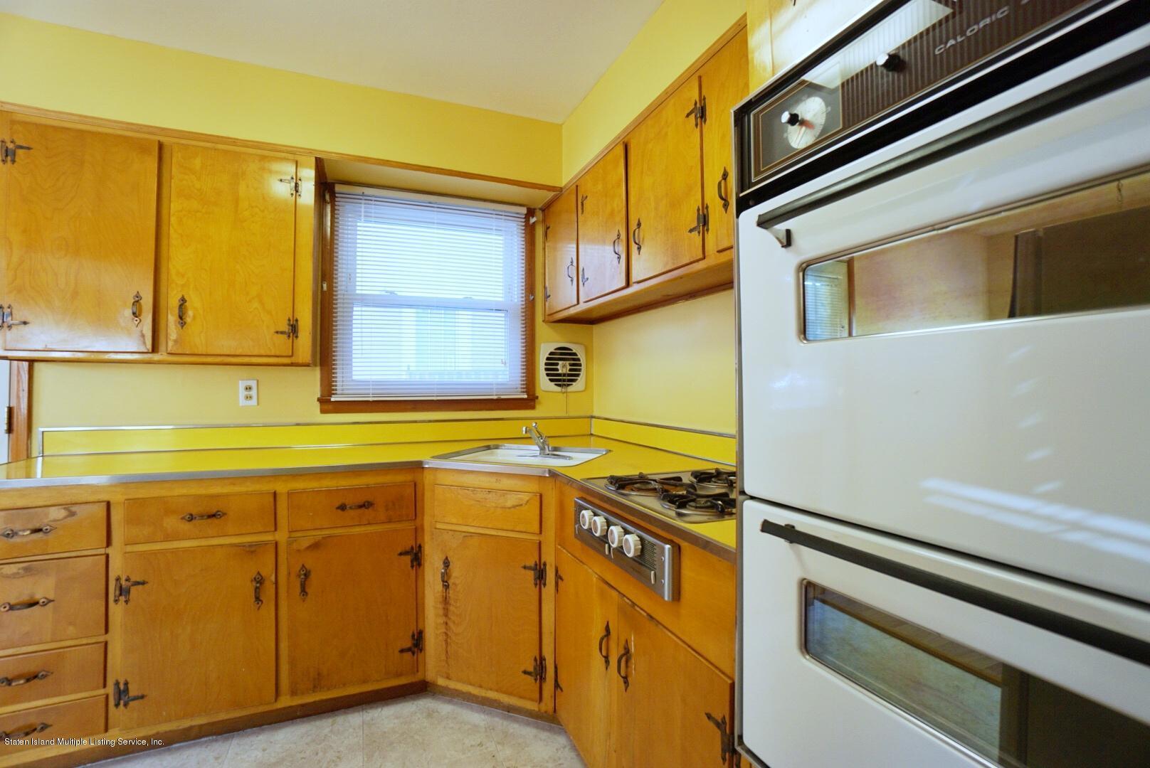 Single Family - Detached 215 Fairbanks Avenue  Staten Island, NY 10306, MLS-1138817-17
