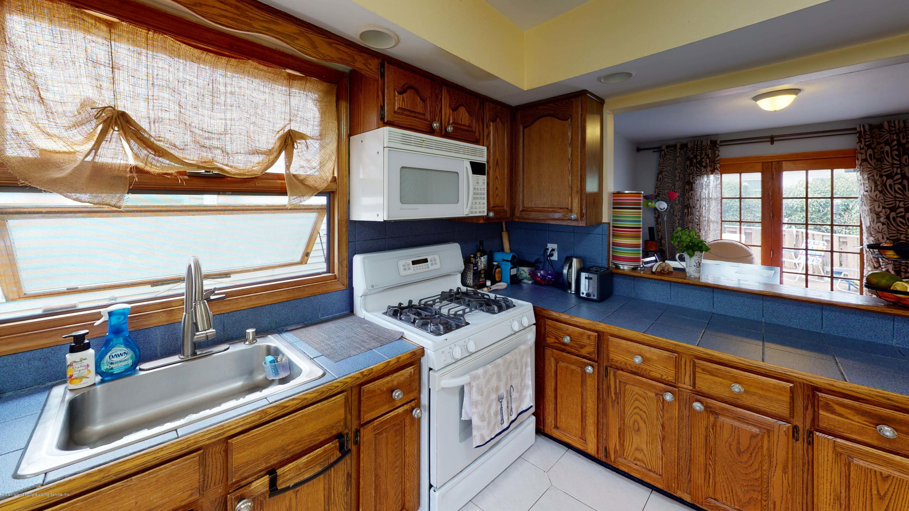 Single Family - Detached 129 Lucille Avenue  Staten Island, NY 10309, MLS-1135888-4
