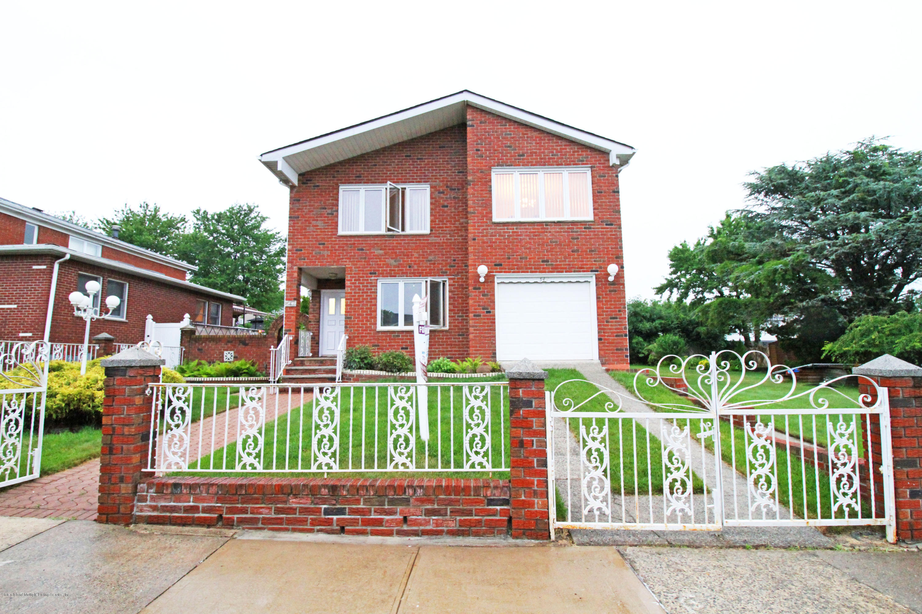 Single Family - Detached in Huguenot - 547 Stafford Avenue  Staten Island, NY 10312