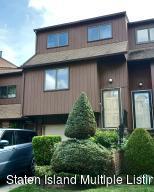 156 Stonegate Dr, Staten Island, NY 10304
