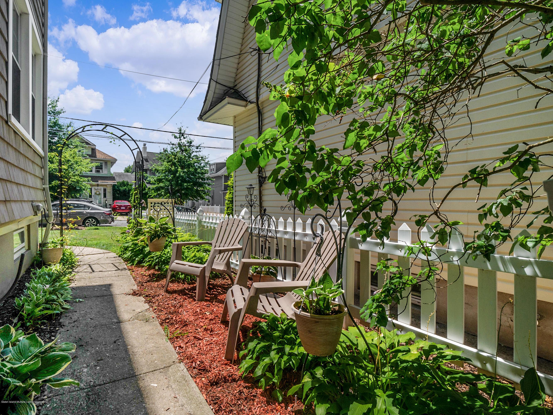 Single Family - Detached 229 Morrison Avenue  Staten Island, NY 10310, MLS-1139057-21