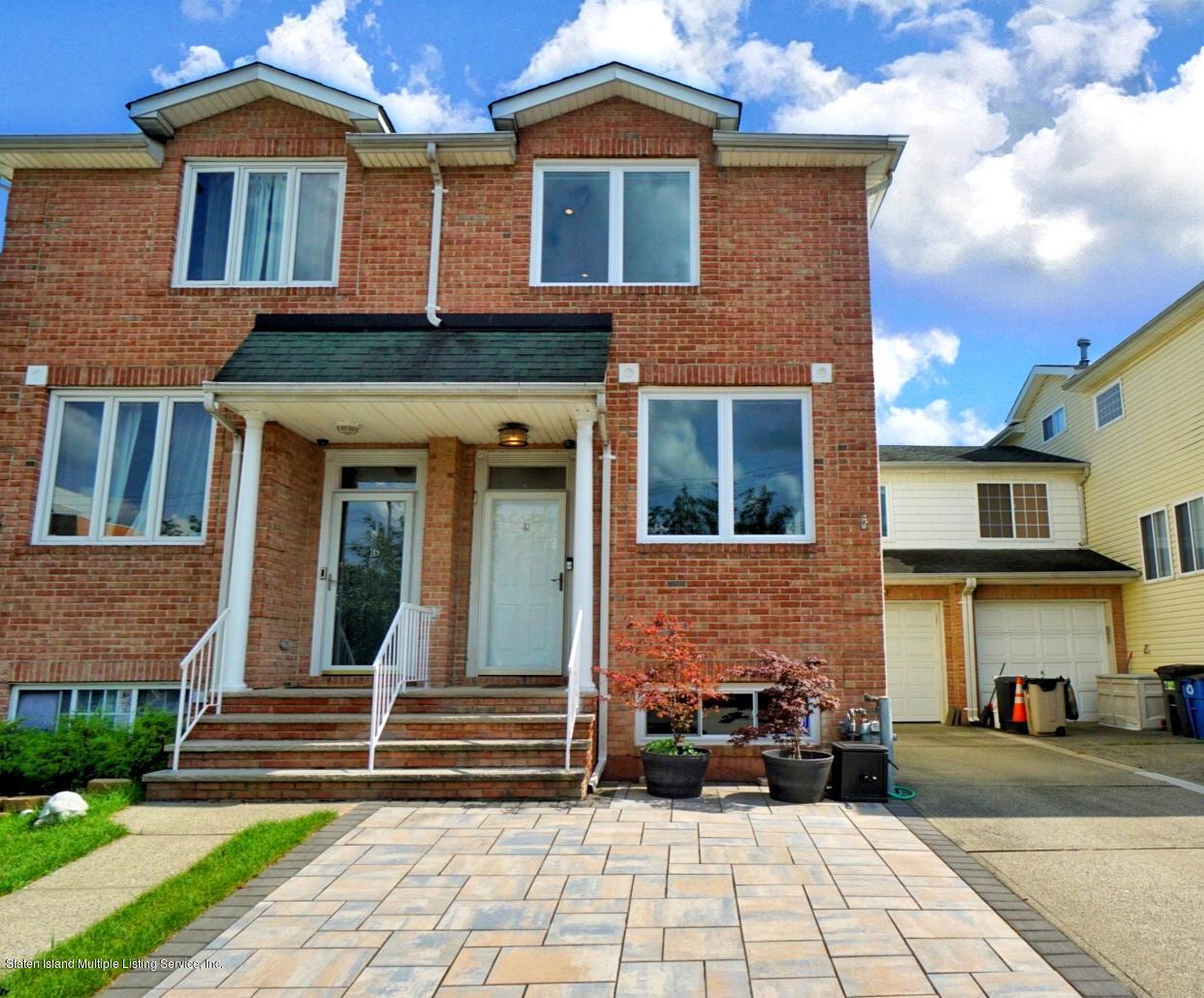 Single Family - Semi-Attached 18 Dunhill Lane  Staten Island, NY 10309, MLS-1139055-2