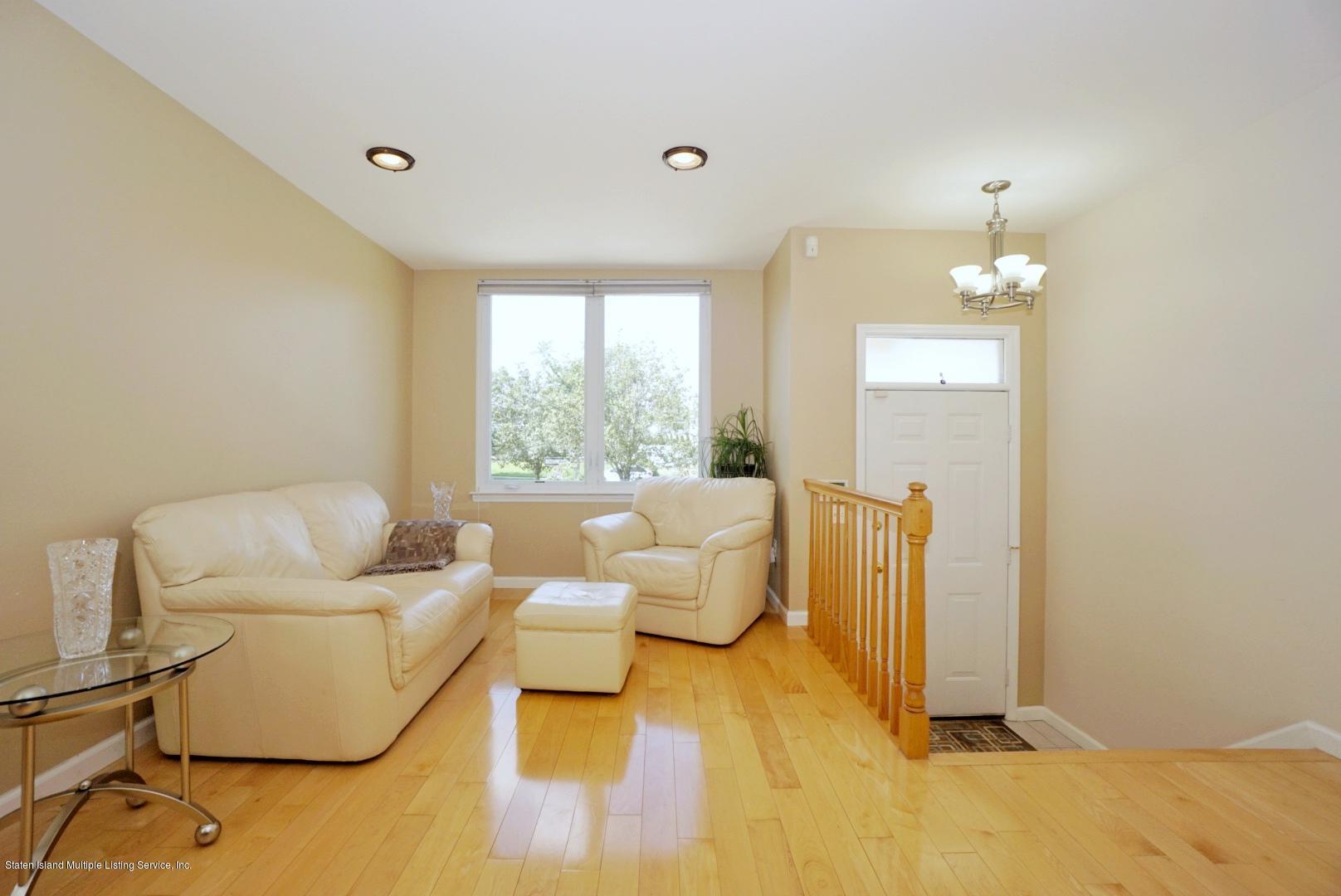 Single Family - Semi-Attached 18 Dunhill Lane  Staten Island, NY 10309, MLS-1139055-4
