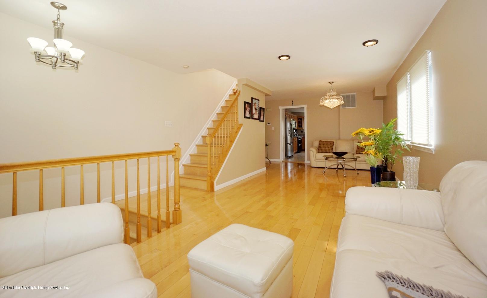 Single Family - Semi-Attached 18 Dunhill Lane  Staten Island, NY 10309, MLS-1139055-5