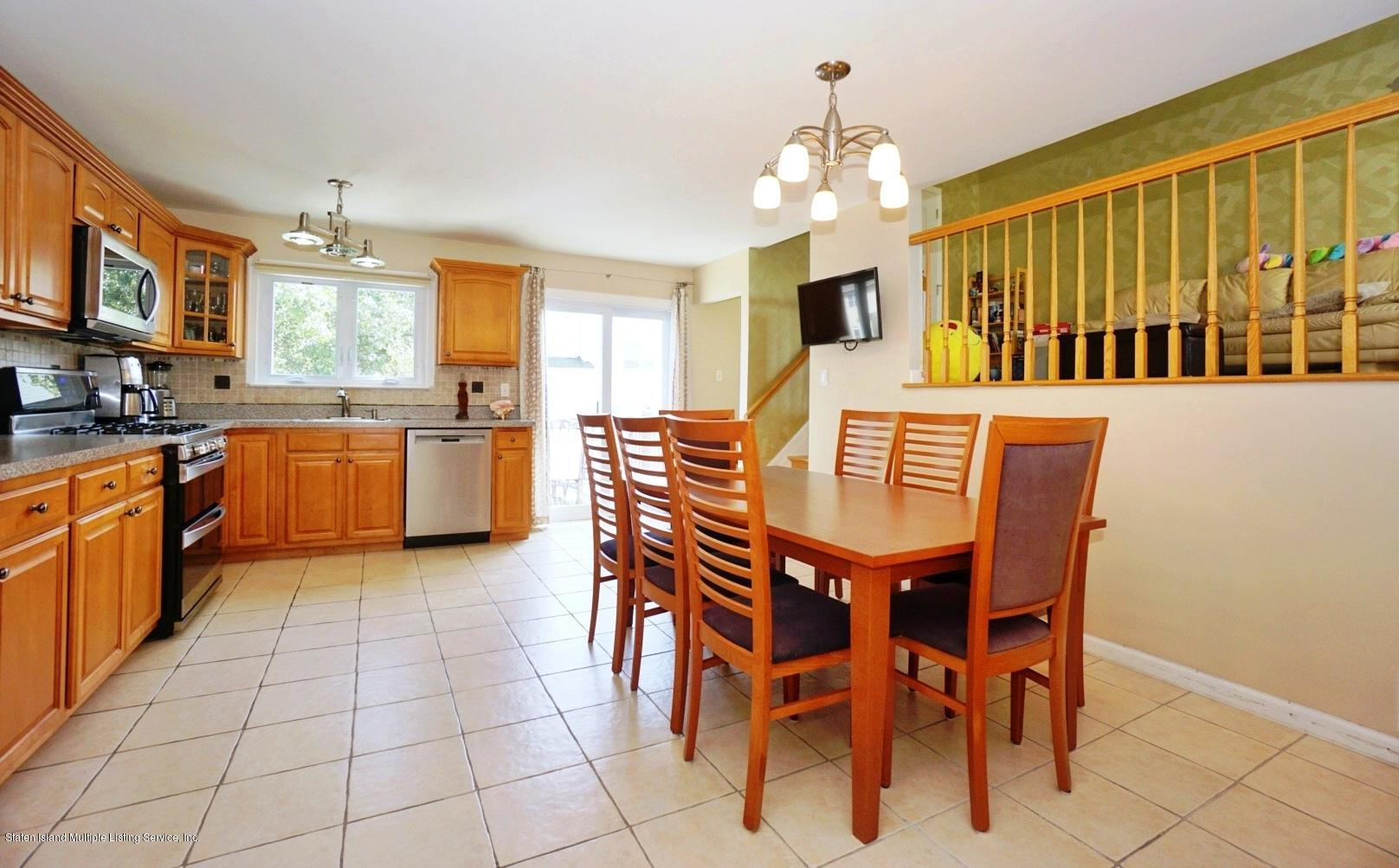 Single Family - Semi-Attached 18 Dunhill Lane  Staten Island, NY 10309, MLS-1139055-9