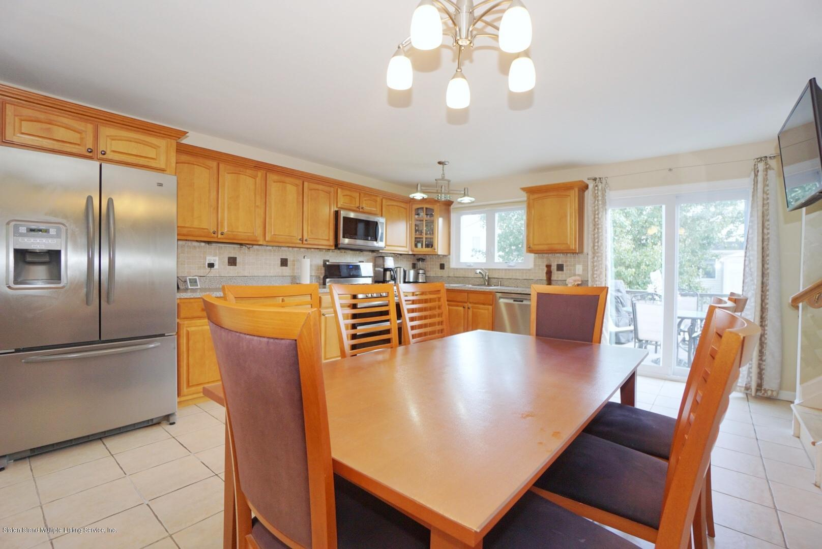 Single Family - Semi-Attached 18 Dunhill Lane  Staten Island, NY 10309, MLS-1139055-14