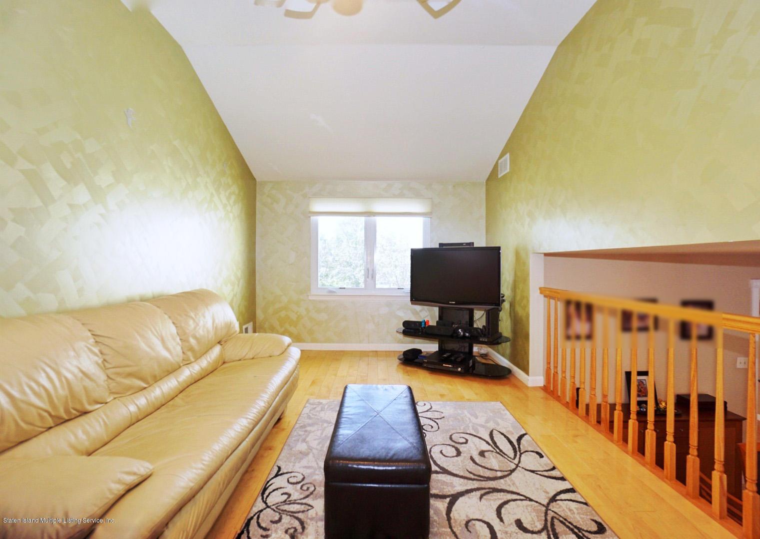 Single Family - Semi-Attached 18 Dunhill Lane  Staten Island, NY 10309, MLS-1139055-16