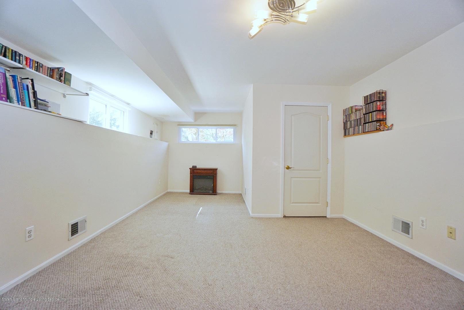 Single Family - Semi-Attached 18 Dunhill Lane  Staten Island, NY 10309, MLS-1139055-31