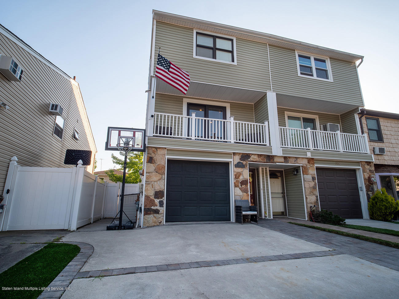 Single Family - Semi-Attached 306 Tanglewood Drive   Staten Island, NY 10308, MLS-1139158-2
