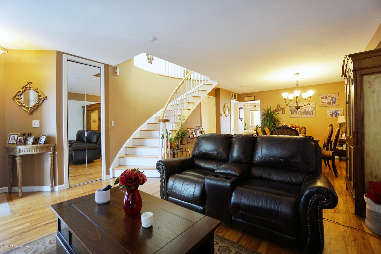 Single Family - Attached 114 Herrick Avenue  Staten Island, NY 10309, MLS-1137235-6