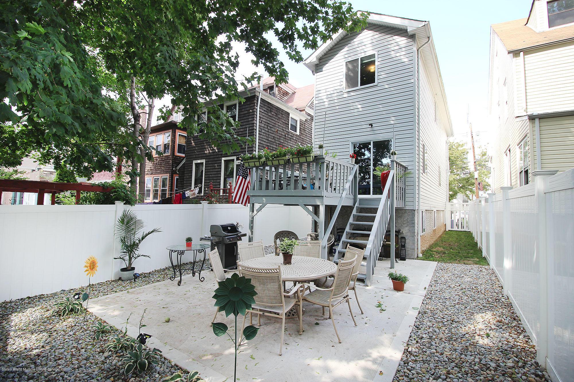 Single Family - Detached 218 Hamilton Avenue  Staten Island, NY 10301, MLS-1139850-23