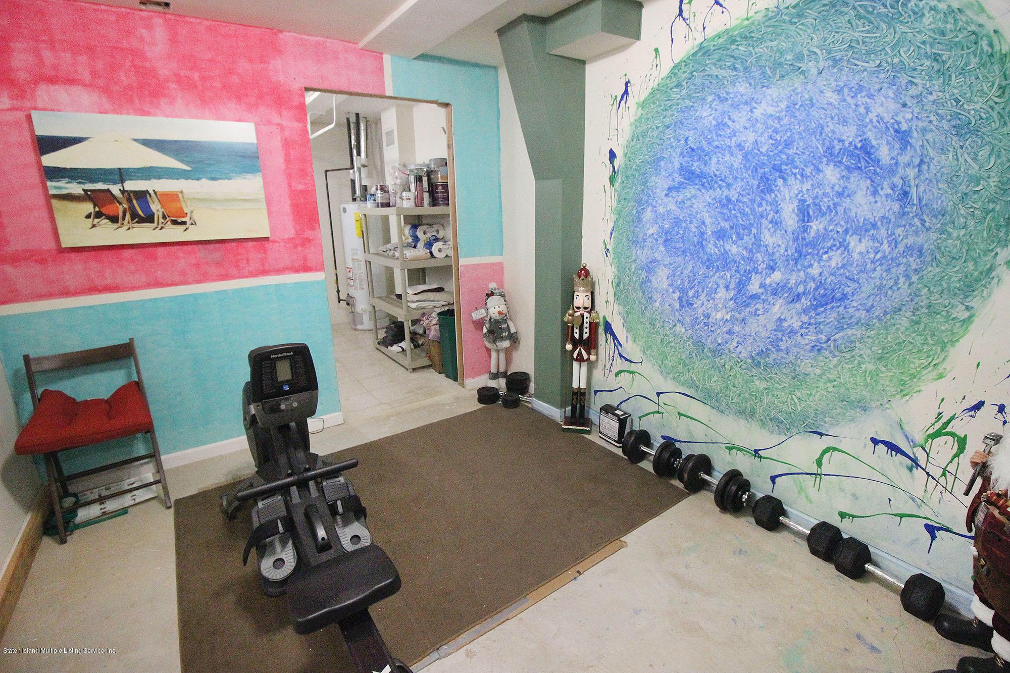 Single Family - Detached 218 Hamilton Avenue  Staten Island, NY 10301, MLS-1139850-18