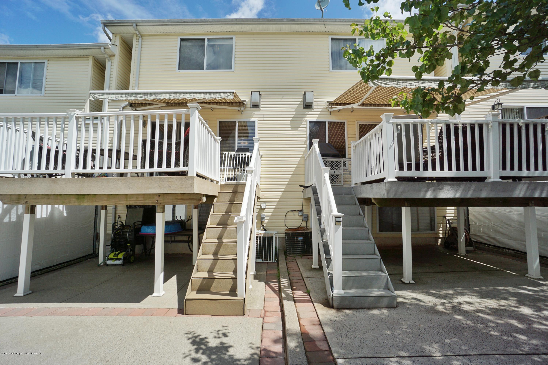 Single Family - Attached 114 Herrick Avenue  Staten Island, NY 10309, MLS-1137235-20