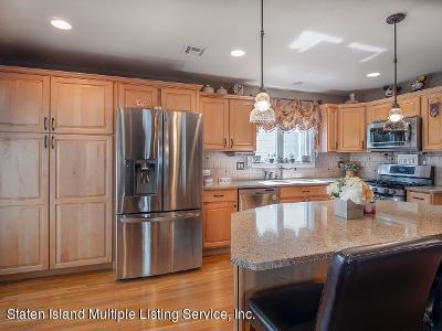 Two Family - Detached 25 Ruxton Avenue  Staten Island, NY 10312, MLS-1140002-10